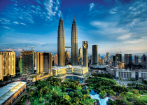 Trefl Petronas Twin Towers 2000 Piece Jigsaw Puzzle